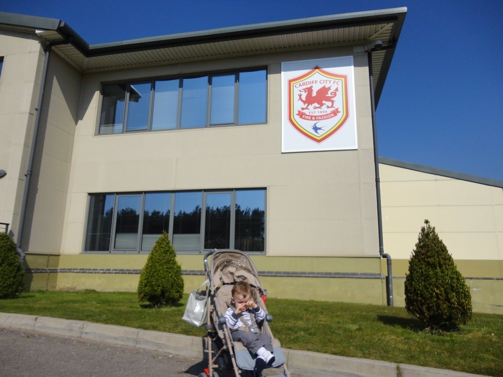Adventures with Alfie - meeting Cardiff City. (1/6)