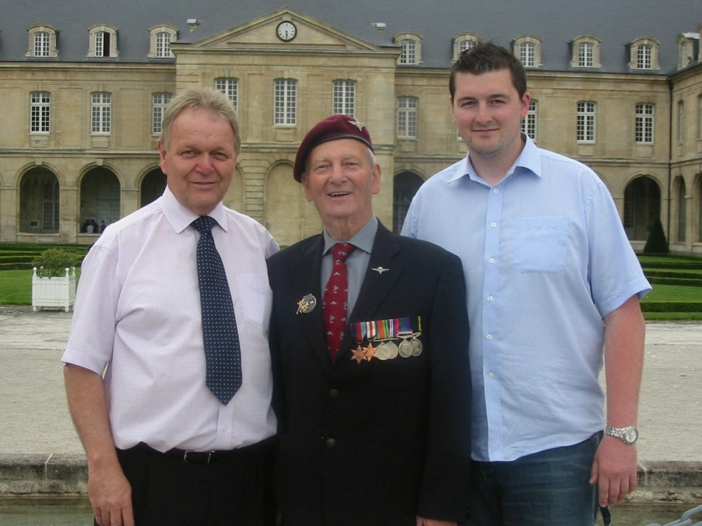 D.Day 70th Anniversary Celebrations June 2014 - the amazing story of a picture of a veteran and his grand daughter (6/6)