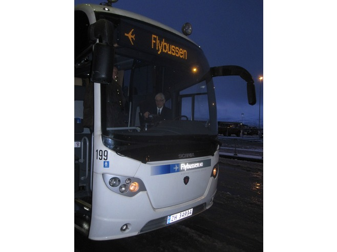 6525081-Bus_to_town_Tromsoe