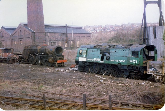 Bulleid_Pacific_locomotives_at_Woodhams_Scrapyard_Barry